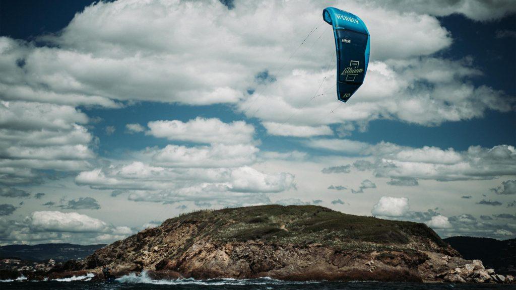 21_Airush_Gallery_Kites_Lithium_Navy_img_07