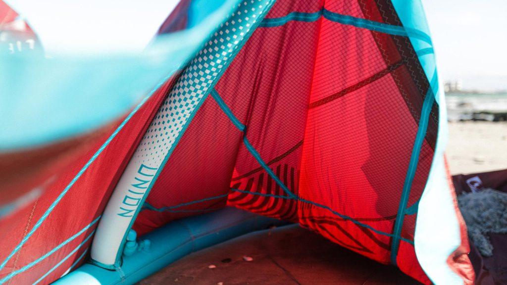 21_Airush_Gallery_Kites_Union_Red_img-05